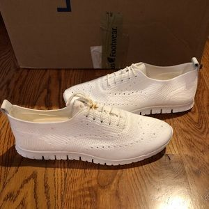 Cole Haan Womens sneakers sz 11 white